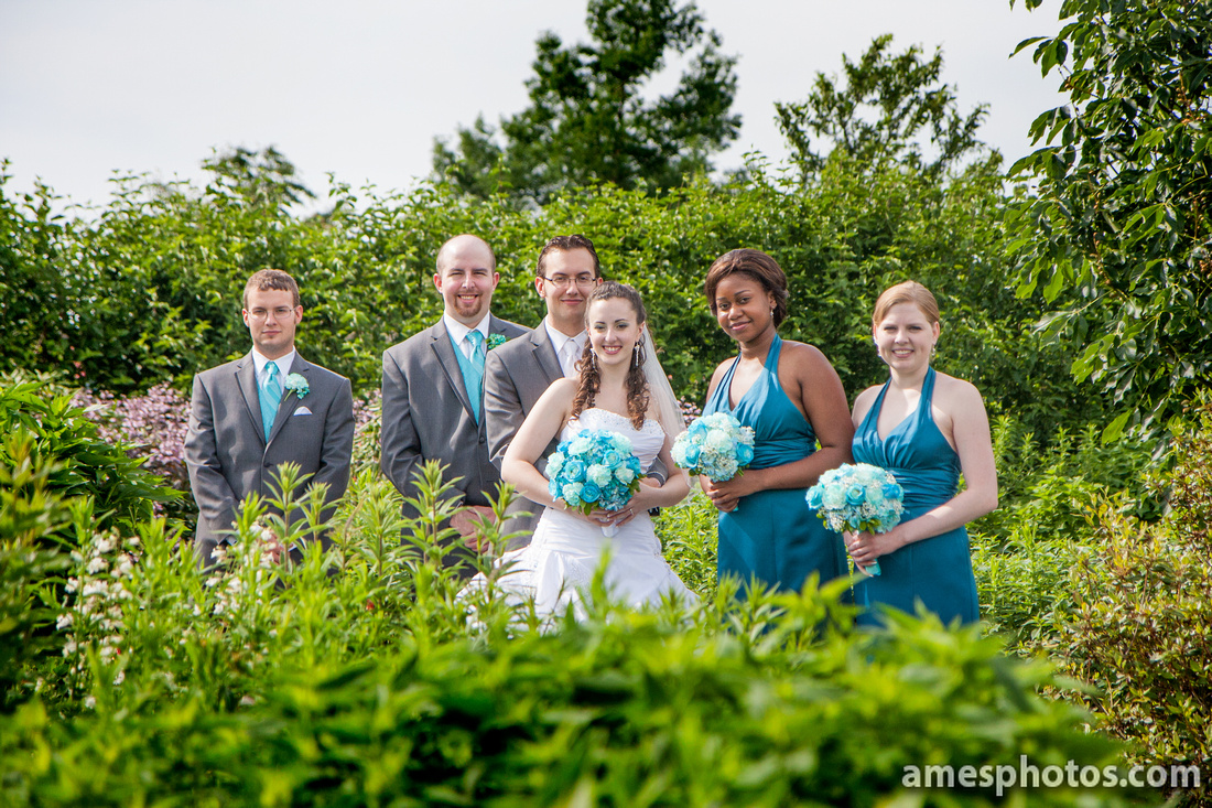 Penn State arboretum wedding party photos